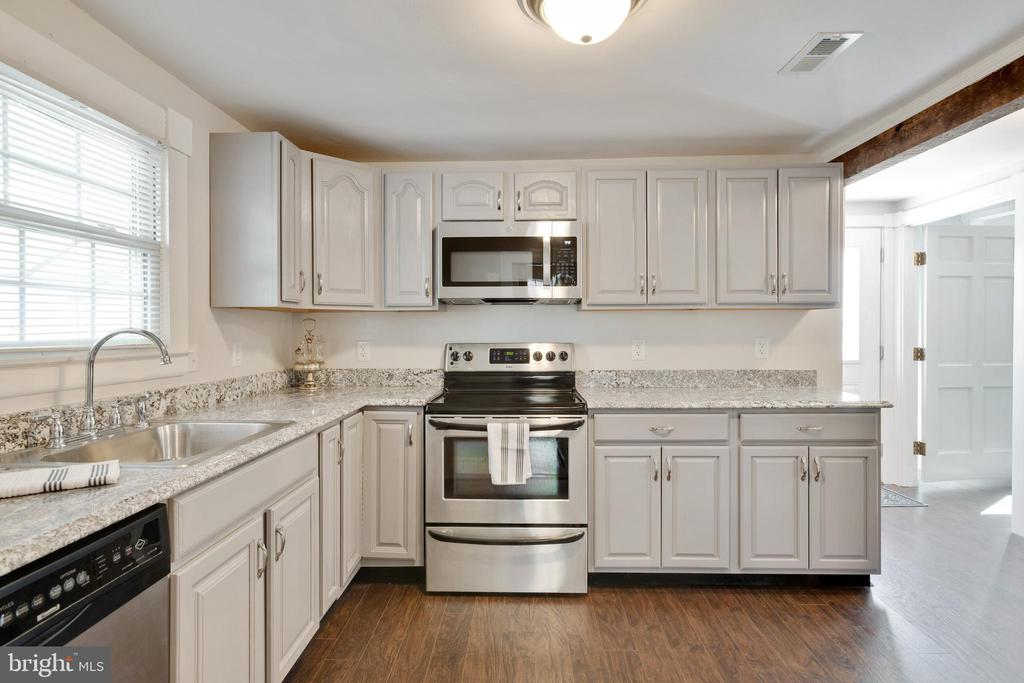 Remodeled kitchen - 1951 MILLWOOD RD, MILLWOOD