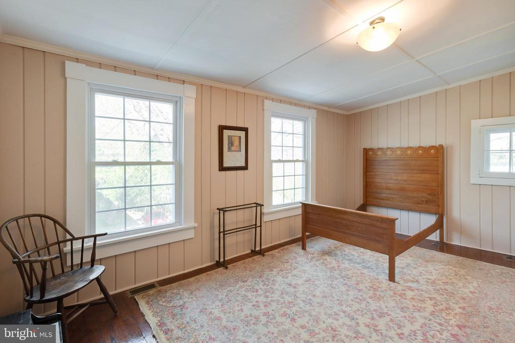 Back bedroom - 1951 MILLWOOD RD, MILLWOOD