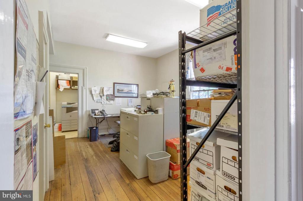 Main Level Office #3 - 804 CHARLES ST, FREDERICKSBURG