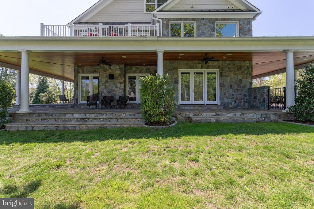 Porch wraps around ENTIRE home - 815 BLACKS HILL RD, GREAT FALLS