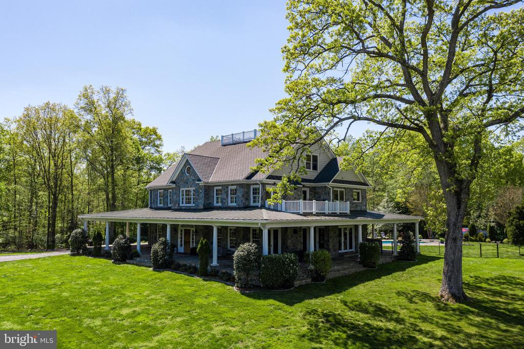 Quintessential country home - 815 BLACKS HILL RD, GREAT FALLS