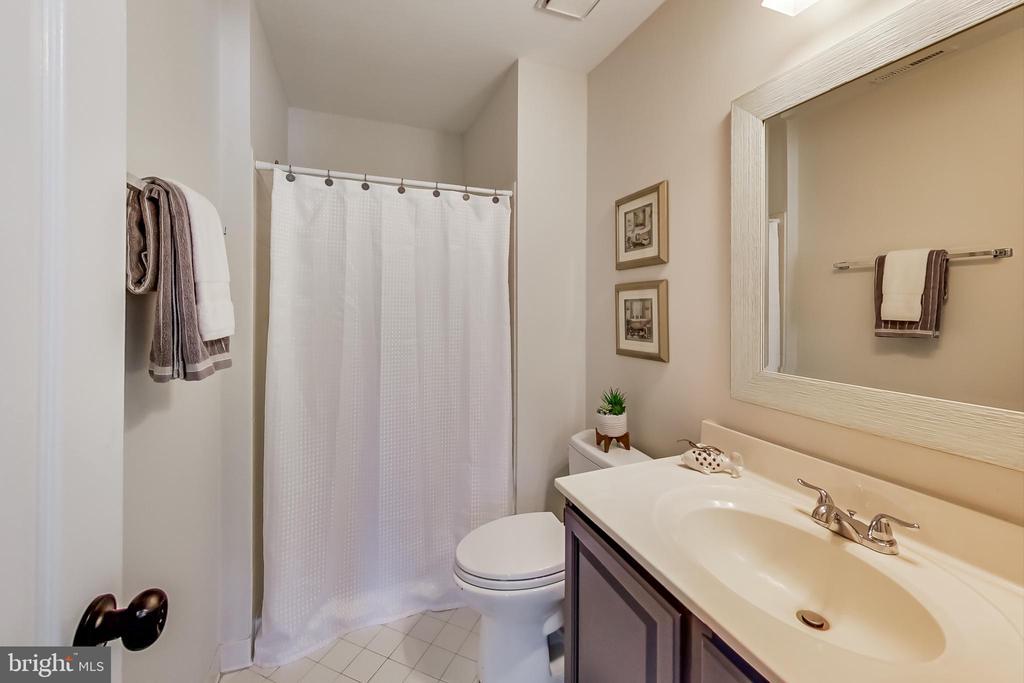Renovated Hallway Full Bathroom - 12600 HOMEWOOD WAY, FAIRFAX