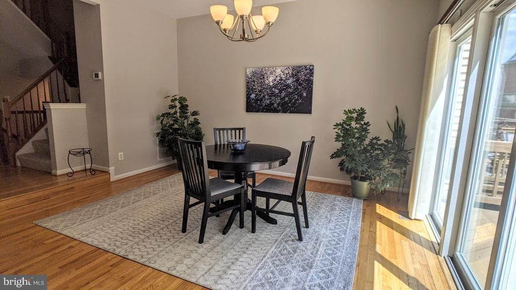 Family Room used now as Casual Dining - 10481 COURTNEY DR, FAIRFAX