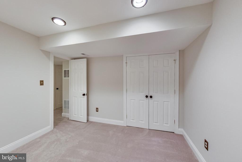 Awesome Bonus Room - office/gym/guest bed - 12600 HOMEWOOD WAY, FAIRFAX