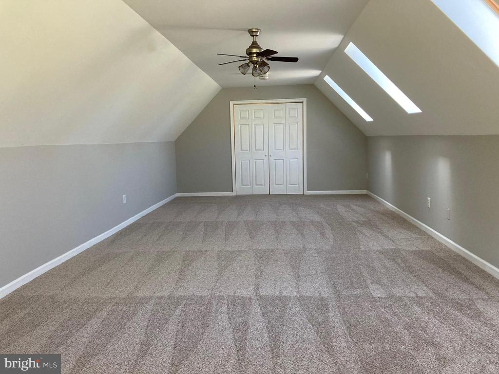 Bonus Room Above Garage - 16820 CLARKES GAP RD, PAEONIAN SPRINGS