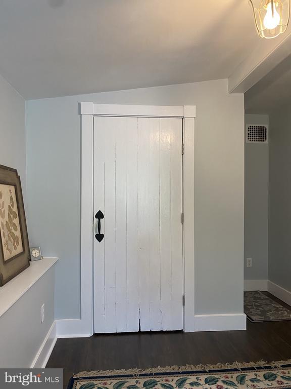 Original wood Plank Doors - 1951 MILLWOOD RD, MILLWOOD