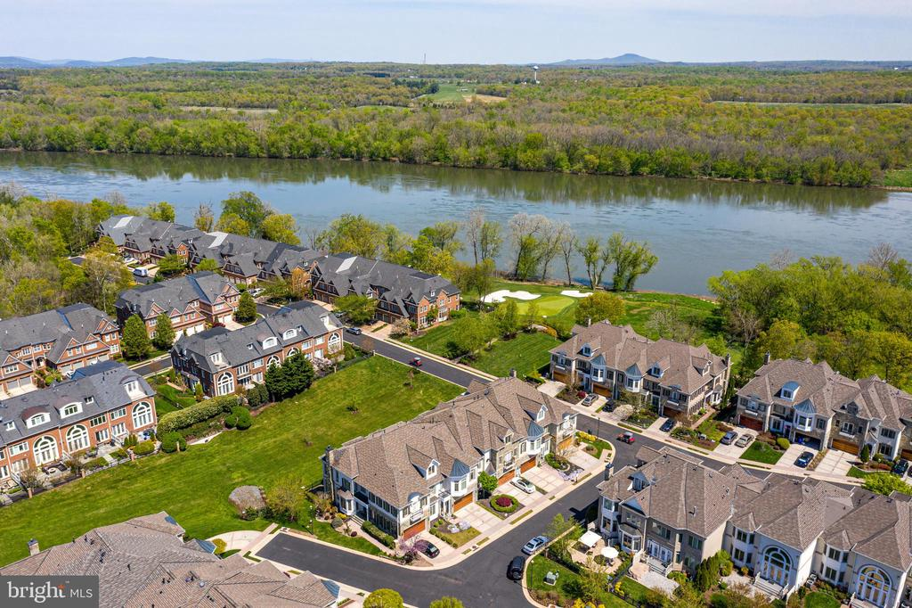 Views of the Potomac River and Pocket Park nearby - 18359 EAGLE POINT SQ, LEESBURG