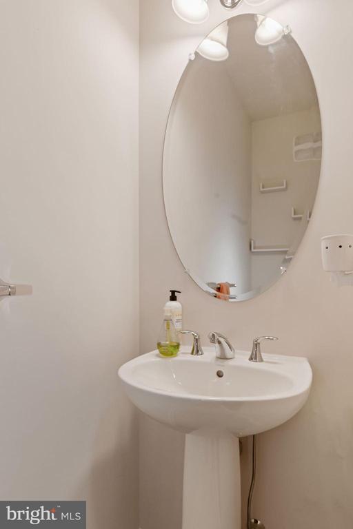Half Bathroom on Main Level of Home - 43213 THOROUGHFARE GAP TER, ASHBURN