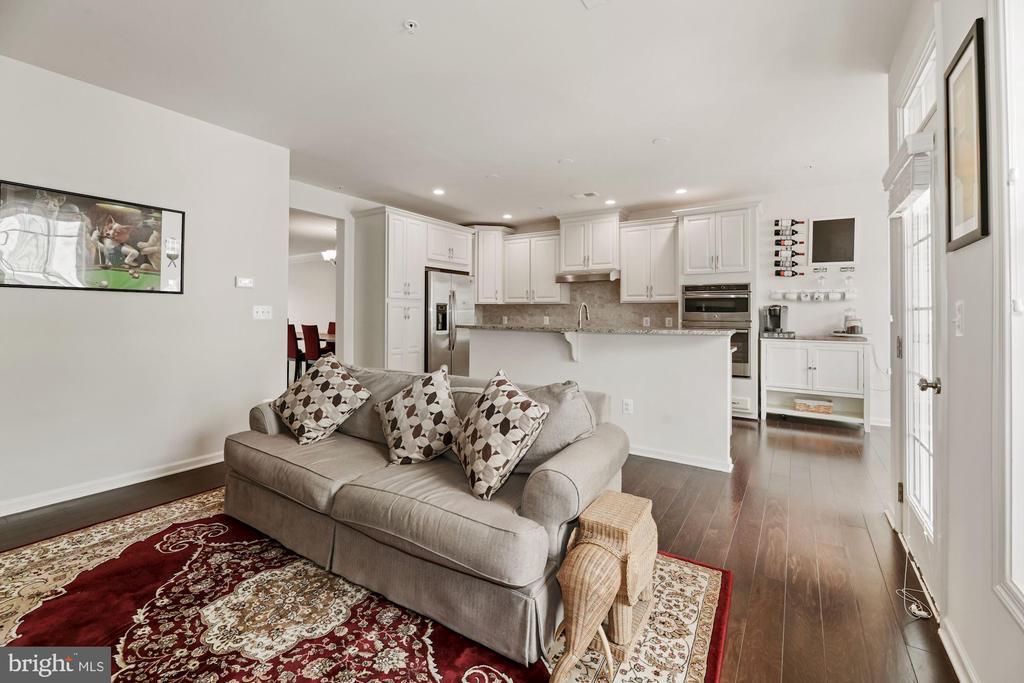 Use Bonus Space as 2nd Living Room! - 43213 THOROUGHFARE GAP TER, ASHBURN