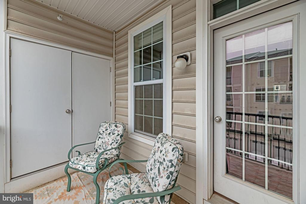 Covered Balcony Located Off Kitchen! - 43213 THOROUGHFARE GAP TER, ASHBURN