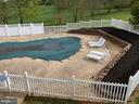 Swimming pool and spa - 16820 CLARKES GAP RD, PAEONIAN SPRINGS