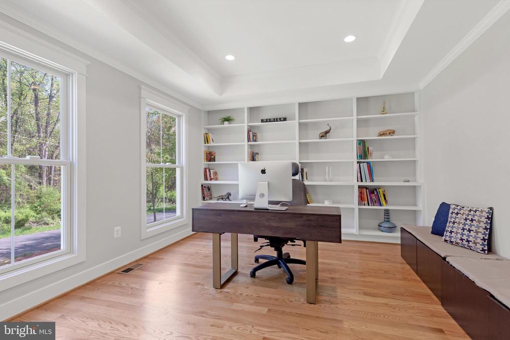 Main Level Office with Built in Shelves - 12329 PURCELL RD, MANASSAS