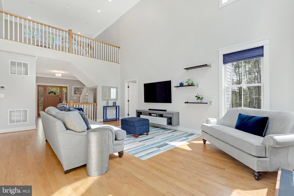 Great Family Room - 12329 PURCELL RD, MANASSAS