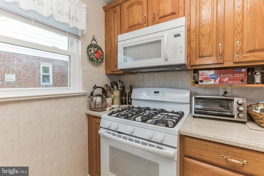 - 5981 WILSON BLVD, ARLINGTON
