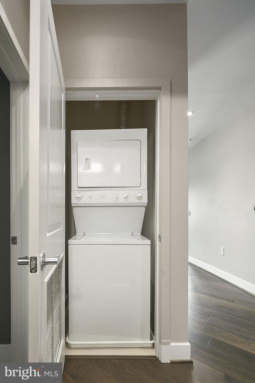 Residential Condo Laundry - 1800 WILSON BLVD #128, ARLINGTON