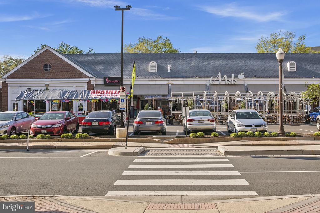 Surrounding Neighborhood - 1800 WILSON BLVD #128, ARLINGTON