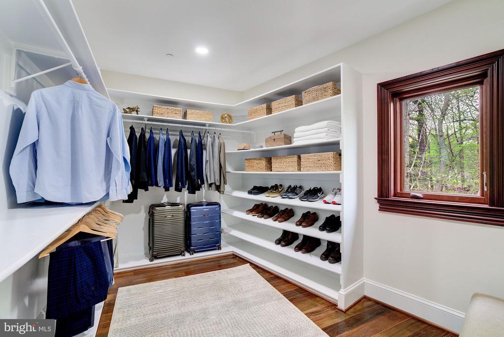 His Walk-in Closet - 612 RIVERCREST DR, MCLEAN