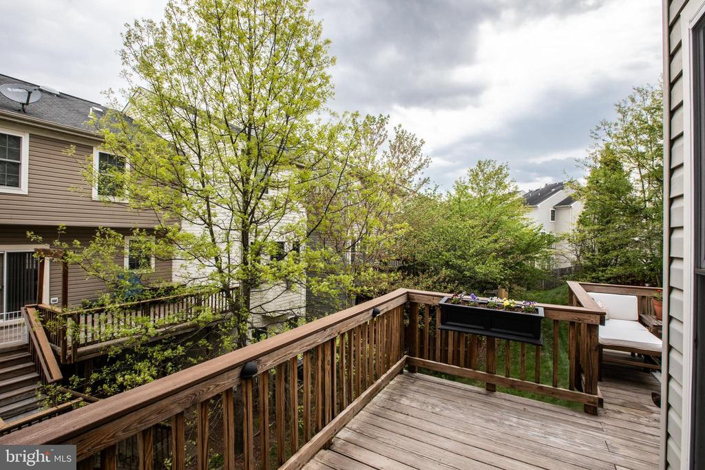 Wrap Around Deck with Trex Railing! - 8921 TAPPEN MILL WAY, MANASSAS