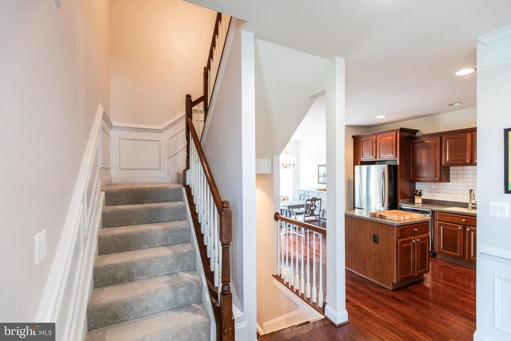 Stairway to Upper Level! - 8921 TAPPEN MILL WAY, MANASSAS