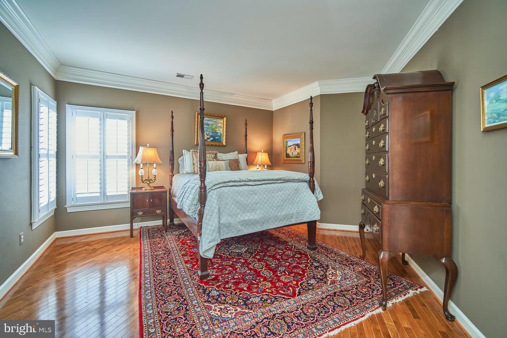 Bedroom 2 - 10108 FARRCROFT DR, FAIRFAX