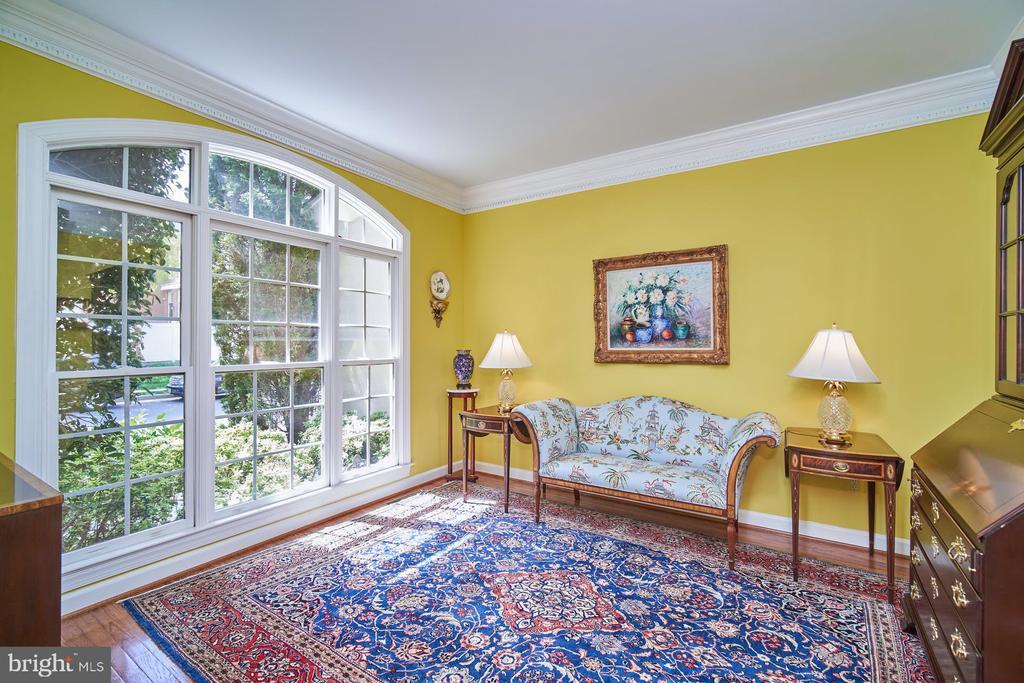 Living Room - 10108 FARRCROFT DR, FAIRFAX