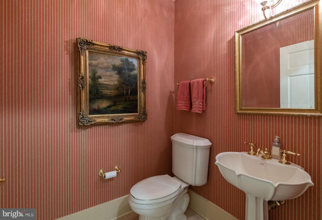 Second Powder Room - Main Level - 830 HERBERT SPRINGS RD, ALEXANDRIA