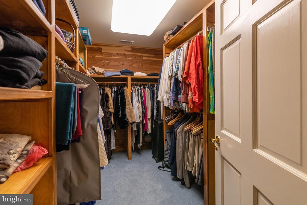 Primary Bedroom Cedar Walk-in Closet - 830 HERBERT SPRINGS RD, ALEXANDRIA