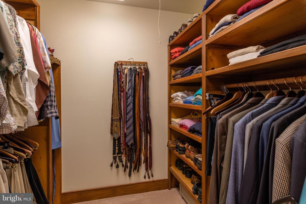 Primary Bedroom Walk-in Closet - 830 HERBERT SPRINGS RD, ALEXANDRIA