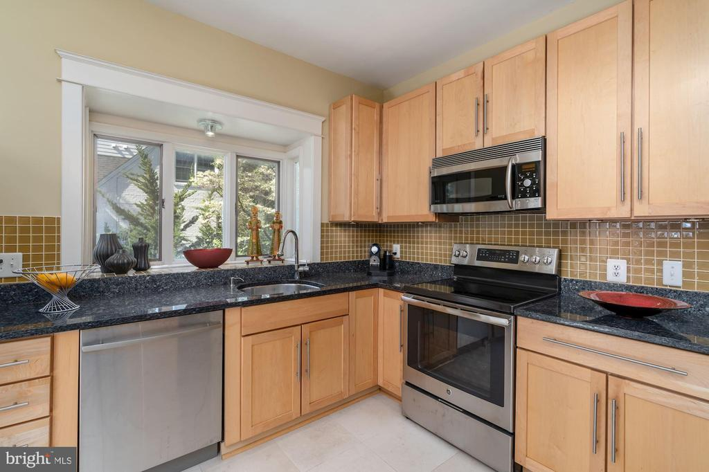 Kitchen - 224 N JACKSON ST, ARLINGTON