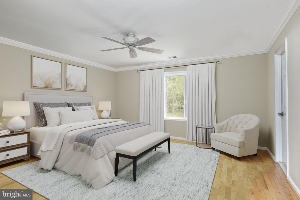 Second Bedroom with Ensuite Bath - 2405 OAKMONT CT, OAKTON