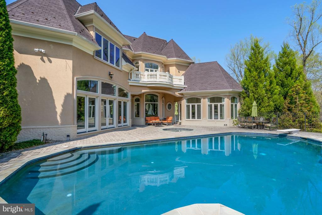 Pool and terrace - 9211 BLACK RIFFLES CT, GREAT FALLS