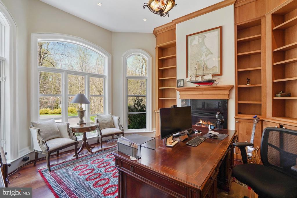 Library/Office - 9211 BLACK RIFFLES CT, GREAT FALLS