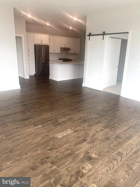 Lovely wood floors - 44691 WELLFLEET DR #304, ASHBURN
