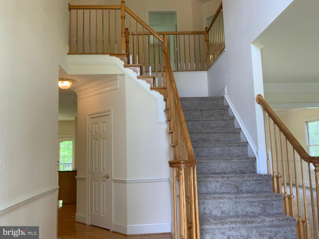 Stairway - 3709 FIDELIS CT, TRIANGLE