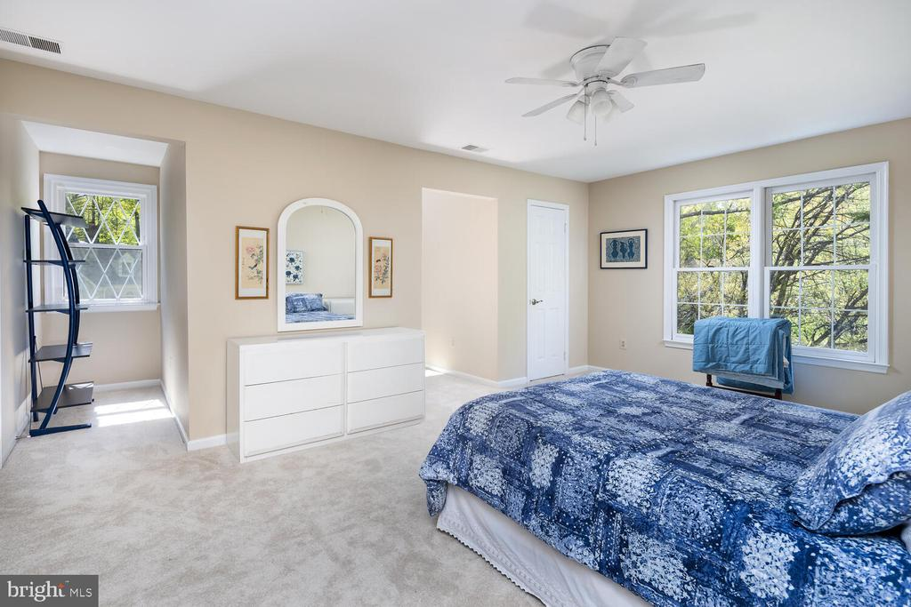 Bedroom 2 - 10654 CANTERBERRY RD, FAIRFAX STATION