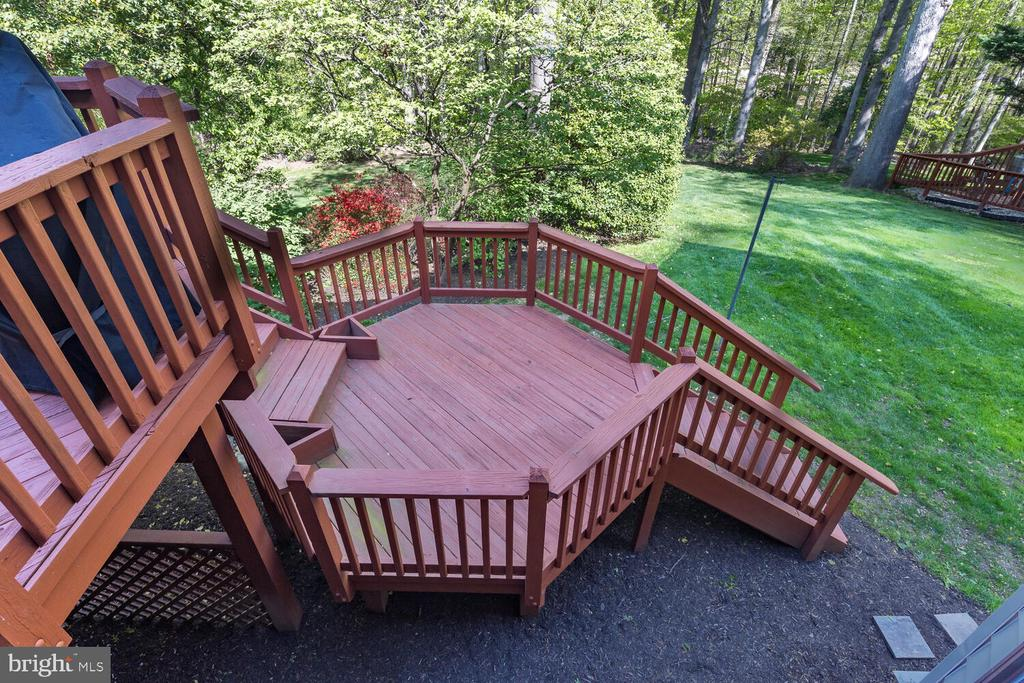 Lower Deck to Yard - 10654 CANTERBERRY RD, FAIRFAX STATION