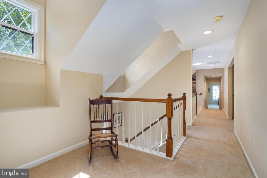 Upper Hallway that's Loaded w/Plenty of Light - 10654 CANTERBERRY RD, FAIRFAX STATION