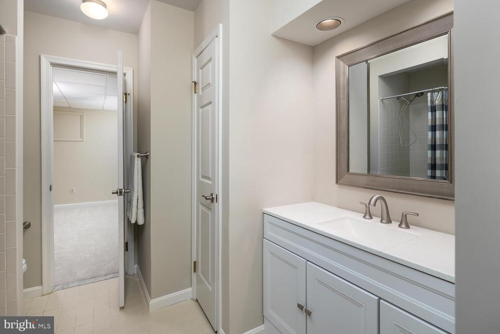 Updated Full Bath in Lower Level - 10654 CANTERBERRY RD, FAIRFAX STATION