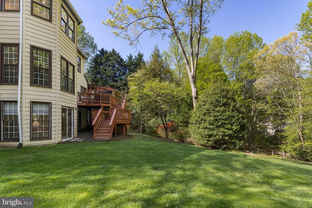 - 10654 CANTERBERRY RD, FAIRFAX STATION