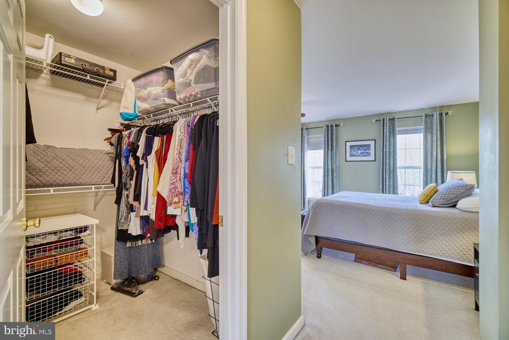 Spacious walk in and 2nd closet (not shown) - 26216 LANDS END DR, CHANTILLY