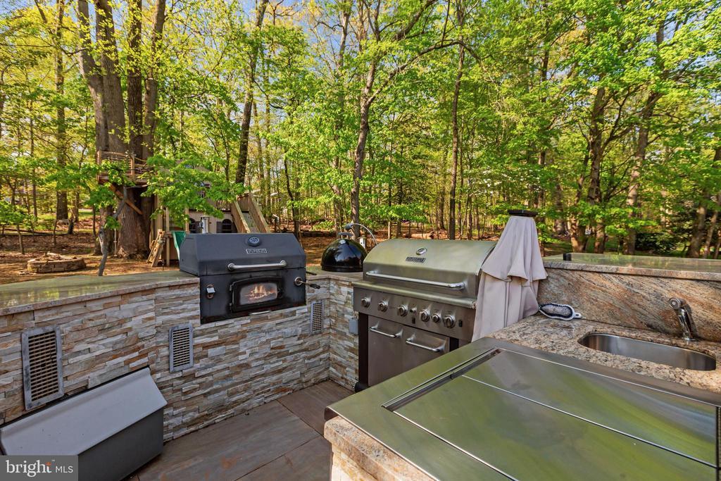 Outdoor Kitchen - 604 RIDGEWELL WAY, SILVER SPRING