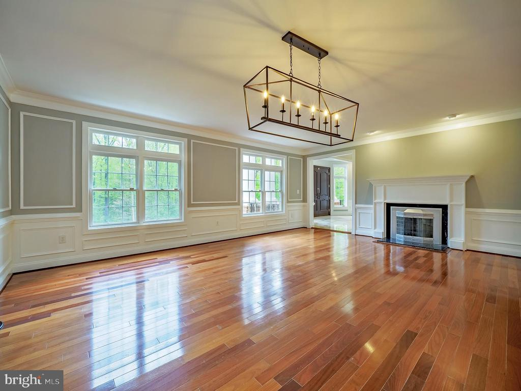 Embassy sized dining room with fire place - 11009 HAMPTON RD, FAIRFAX STATION