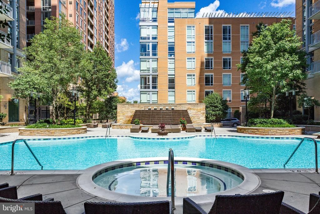 Swimming - 11990 MARKET ST #411, RESTON