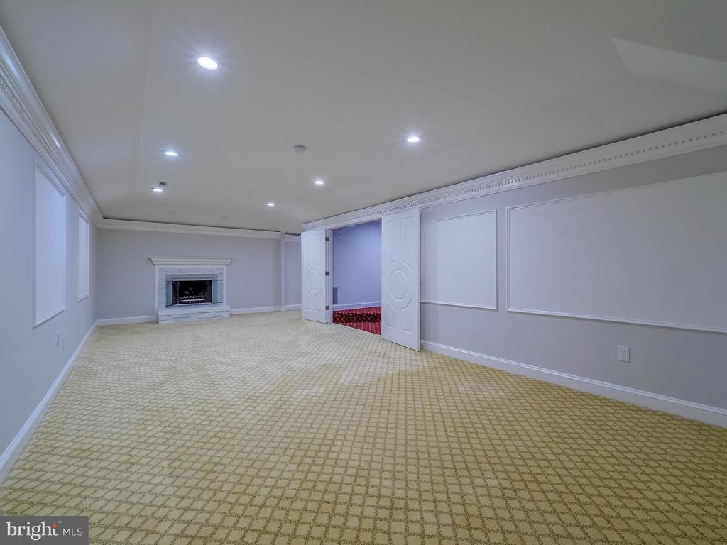Huge lower level with multiple rooms - 11009 HAMPTON RD, FAIRFAX STATION