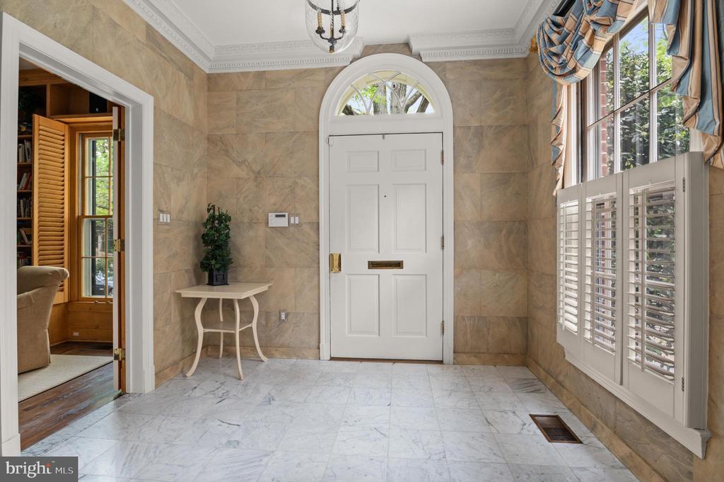 Foyer - 2208 KALORAMA RD NW, WASHINGTON