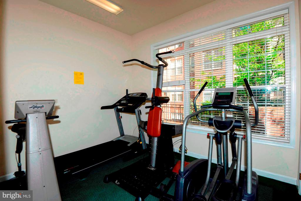 Fitness Center - 2310 14TH ST N #206, ARLINGTON