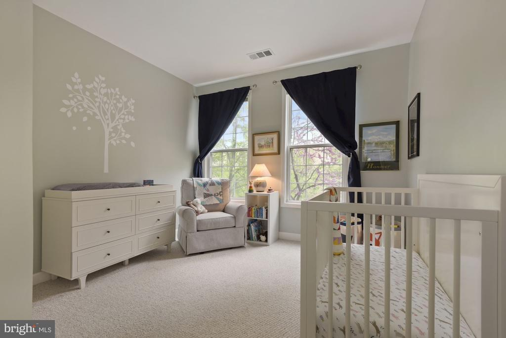 First spacious bedroom - 2310 14TH ST N #206, ARLINGTON