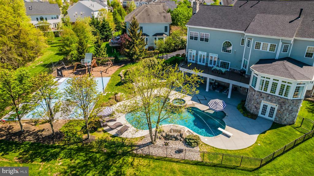 40,000+ GALLON SALT WATER POOL!! - 23068 CHARMAY POND PL, BRAMBLETON