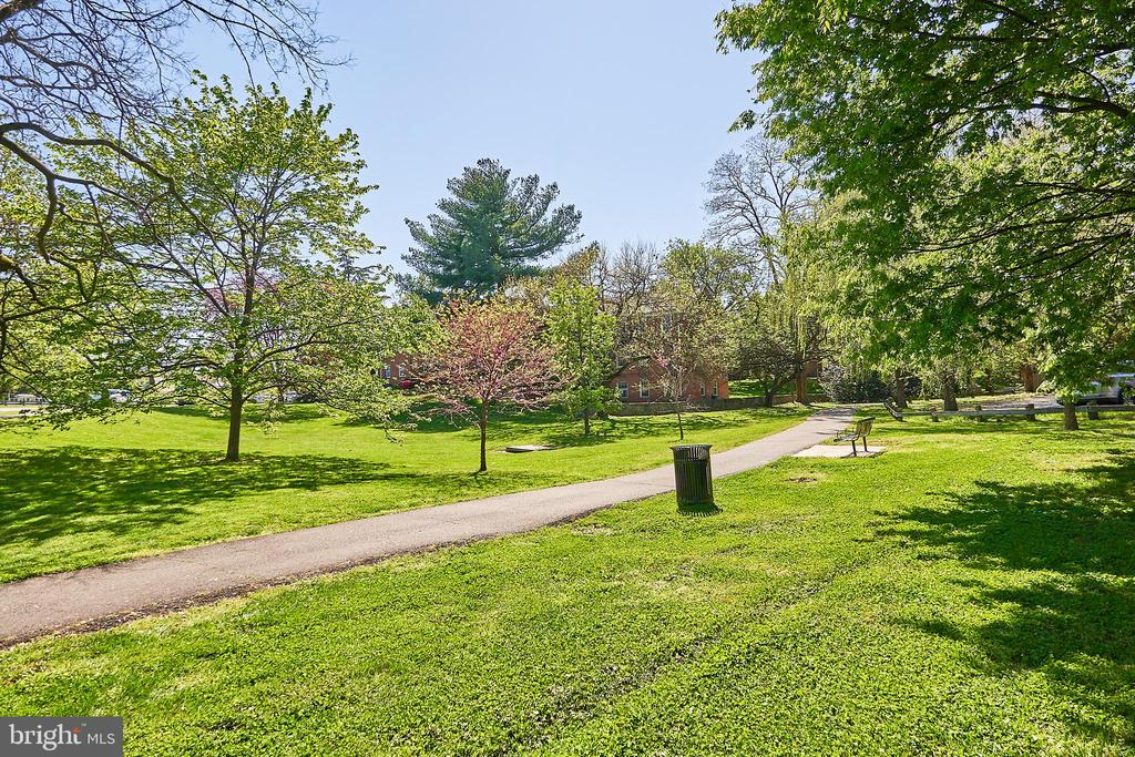 Walking trails - 104-B N BEDFORD ST, ARLINGTON