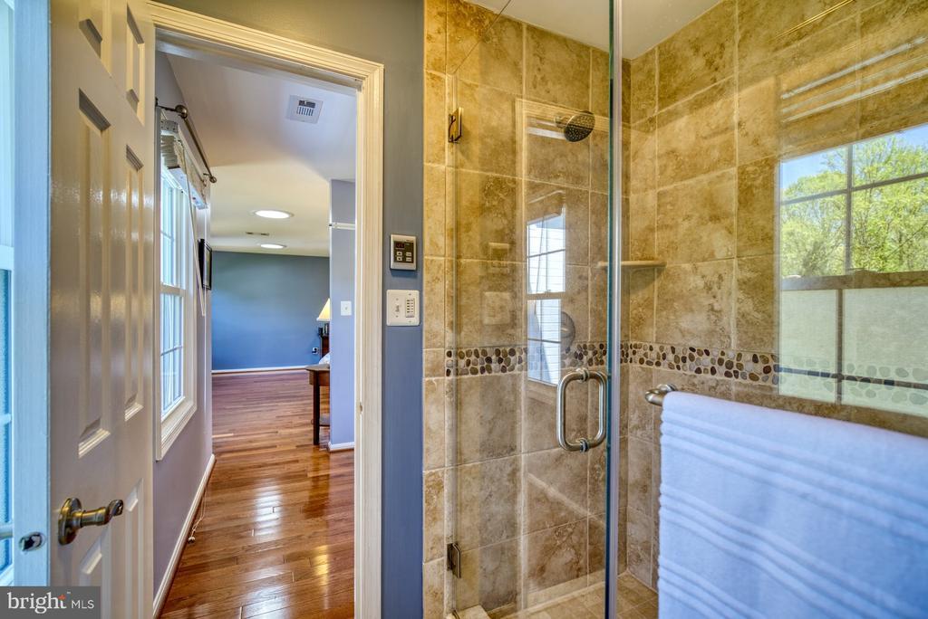 Primary Bathroom - 2645 BLACK FIR CT, RESTON